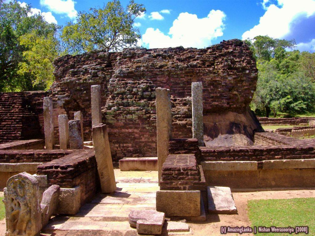 Prasadha Stupa also known as Indikatu Seya is one of the two square shaped stupa's found in the Abhayagiri Monastery