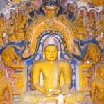 Makara Thorana in Varaka Valadu Viharaya in Ridi Viharaya