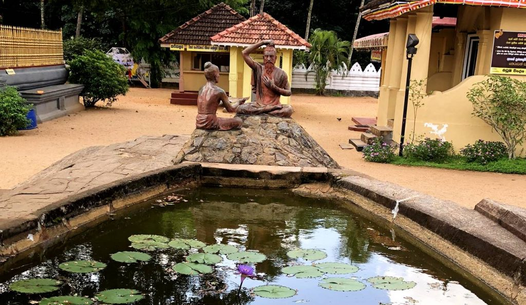 Sirisangabo donating his own head to the traveller at Attanagalla Raja Maha Viharaya