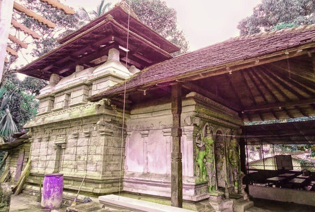 Old Asgiriya Adahanamaluwa Gedige Viharaya