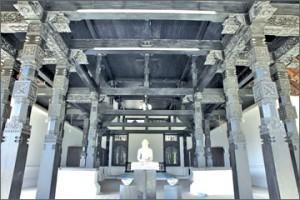 Buddha statue in Ran Avuda Mandapa
