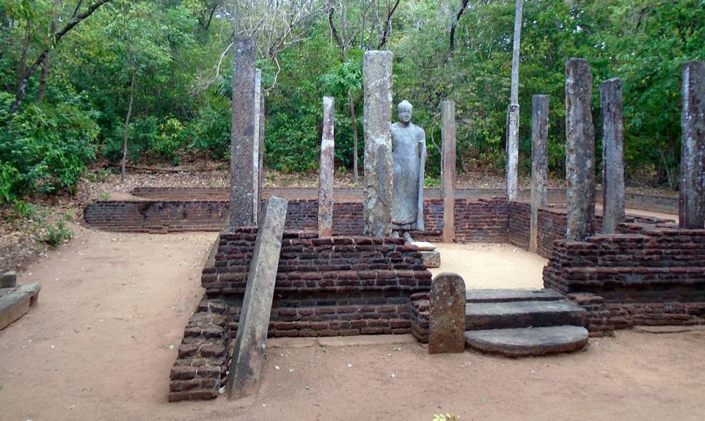 Ruins of the Nagalakanda Archaeological site in MinneriyaRuins of the Nagalakanda Archaeological site in Minneriya