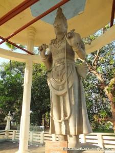Maithree Bodhisattwa Staue at Mahiyangana Rajamaha Viharaya