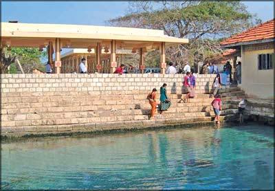Nakuleswaram Kovil / Keerimalai Springs