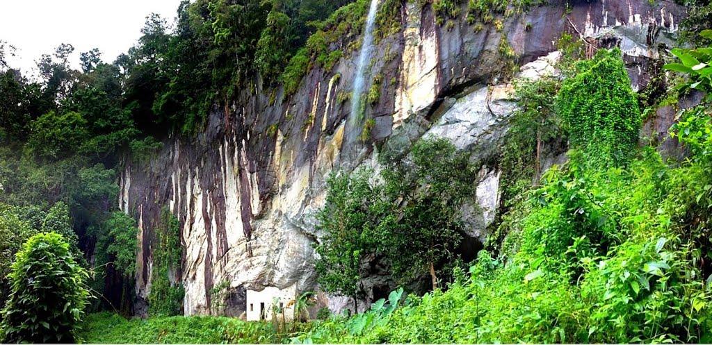 Batadomba Lena Caves