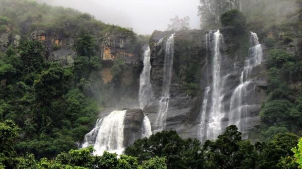 Bomburu Ella Falls