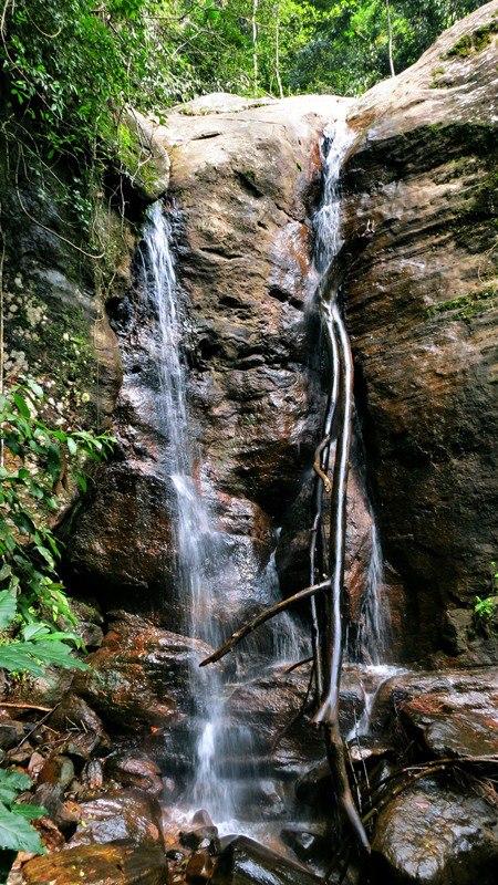 Ratnapura Muwan Vetuna Ella Falls