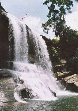 Thaliya Wetuna Ella Falls