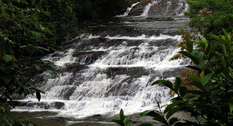 Deraniyagala Polgaswatte Rakka Ella Falls on Kadiran Oya