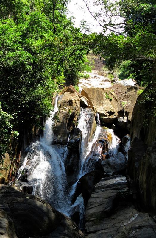 Milla Oya alls - Gona Wetuna Falls