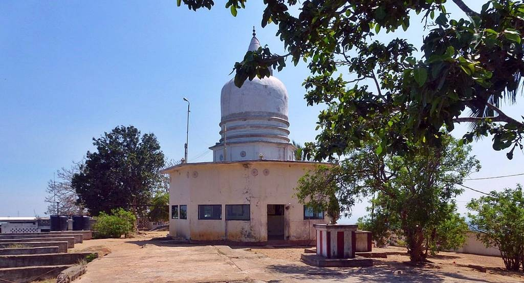 Stupa at the top of Wedihiti Kanda