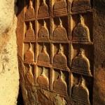 The unique engraving of stupas not found anywhere else at Samudragiri Pichchamal Viharaya at Kuchchaveli