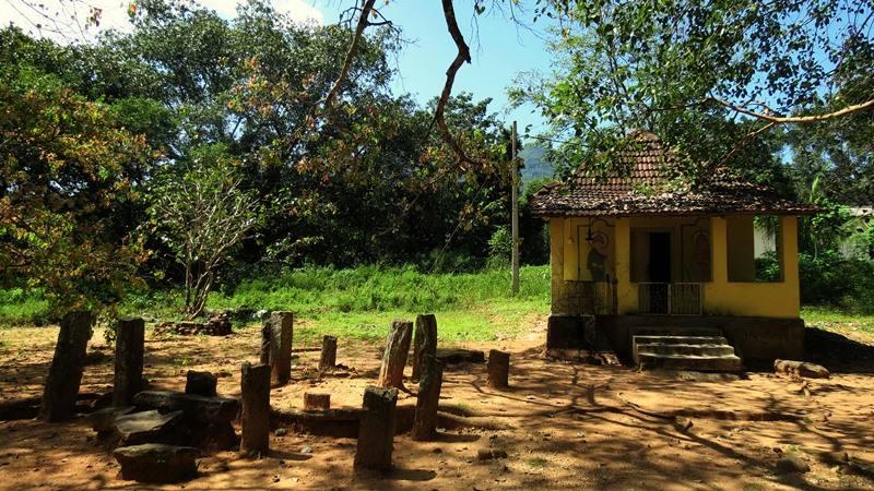 Remains of a Tampita Viharaya at Alakolagoba Purana viharaya