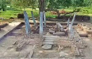 Ruins of Mahathalakolawewa Rajamaha Viharaya