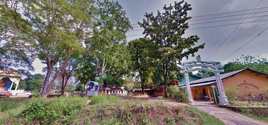 Entrance to the Wavinna Mangalarama Viharaya