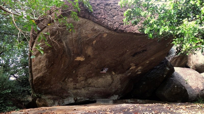 Paragahakele caves with Vedda paintings at A.C. Camp