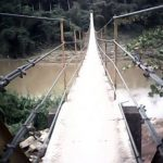 The Ruwanwella Suspension Bridge across Kelani River at Ruwanwella is believed to be the longest of its type in Sri Lanka. Built in 2007, this foot bridge connect the Ruwanwella town with villages such as Nikawalamulla and Kurupaththa. The bridge is 550 feet (170 meters) long