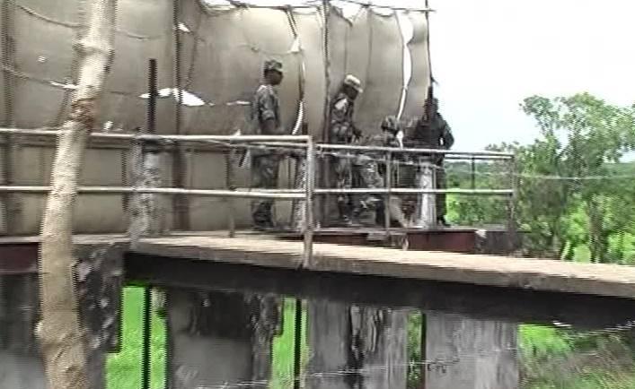 Mavil Aru (Mavil Oya) Slice Gate after liberation by the armed forces