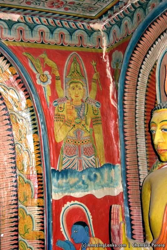 Paintings on the inner chamber at the Sri Mahamuni Purana Tampita Viharaya