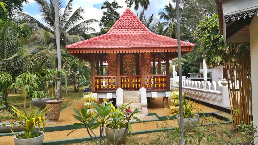 Modified Tampita Viharaya of Dikwela Sri Vishuddharamaya