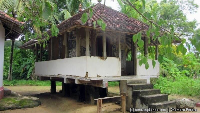 Eethanawatta Meddegoda Purana Tampita Viharaya