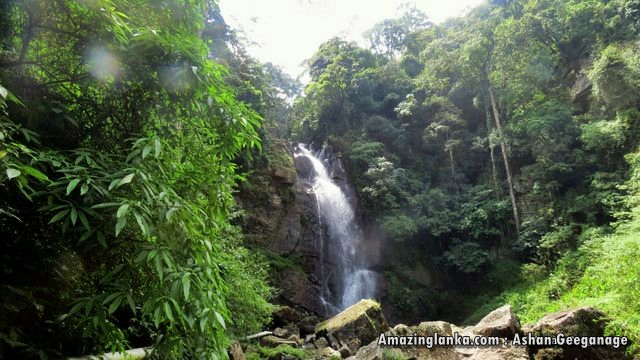 Kabaragala Ella Waterfall in Mandaramnuwara