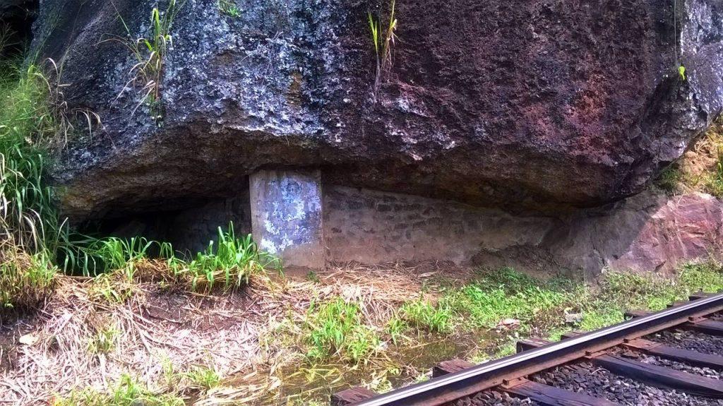 Sangaraja Lena - where Welivita Sri Saranankara Thero lived for a while near the rail line