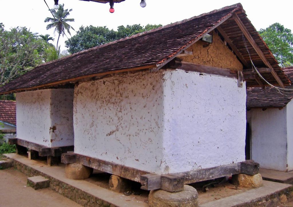 The well preserved Wee Atuwa on Pillars (Tampita Grain Storage Unit) at the popular Embekke Devalaya