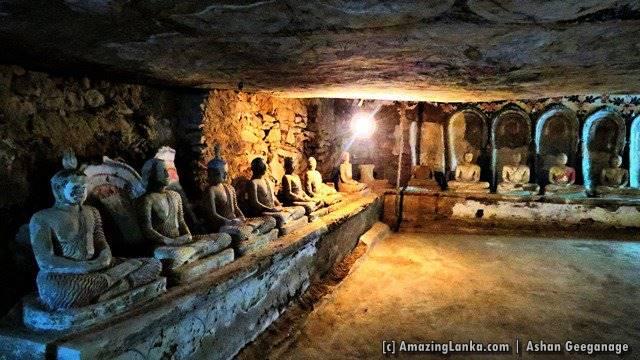 Mayuragiri Len Viharaya marked as #5 in the map - Monaragala Rajamaha Viharaya (Mayuragiri Len Viharaya)