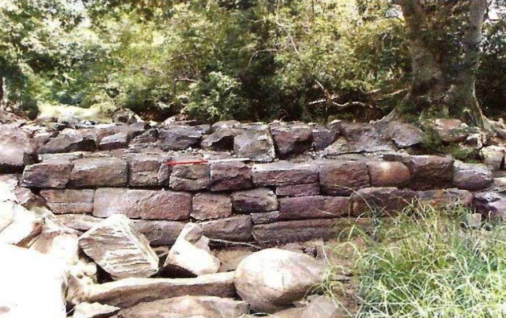 Ruins of Sukara Nijjara Gal Amuna over Deduru Oya