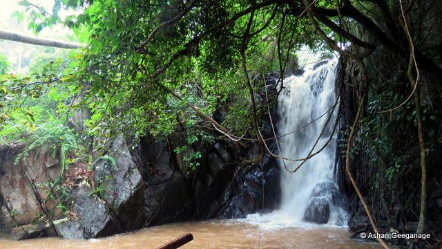 Hakkkunu Ella Waterfall in Halgolla, Poojapitiya in Kandy District