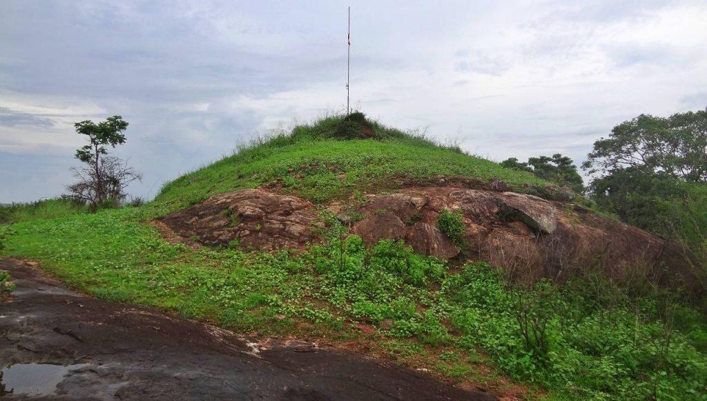 පදවිය තපෝවනය වෙහෙර ගොඩැල්ල - Padaviya Thopawanaya Vehera Godella