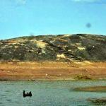 සේරුවිල මංගල වැව ඉපැරණි අංගනය ණටබුන් - Ruins of the ancient rock platform in Mangalawewa Reservoir