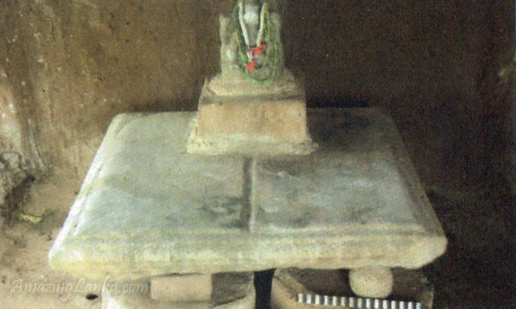 මන්නාරම පාලම්පිඩ්ඩි මුත්තුමාරි කෝවිල බෞද්ධ නටබුන් - Muththumari Kovil Buddhist Ruins in Palampiddi Mannar