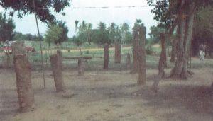 ඔඩ්ඩුසුඩාන් කච්චිලමඩු පුරාවිද්යා ස්ථානයේ නටබුන් ආසනයක් - Kachchilamadu Archaeological Site in Mulativu